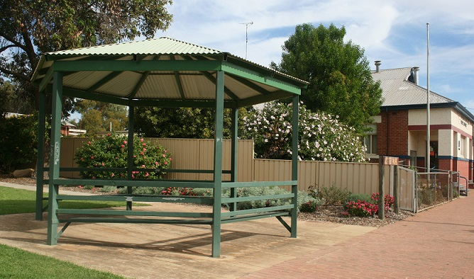 Anstey Park, Railway Tce Goomalling